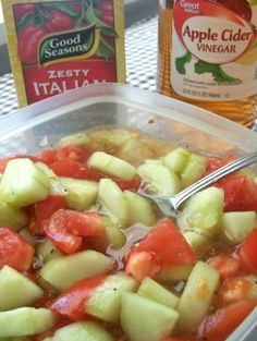Cucumber Tomato Salad 2 large cucumbers, diced 2 large tomatoes, diced 1 cup apple cider vinegar 1 cup water cup sugar or equivalent sugar substitute ounce) package of Zesty Italian Seasoning packet (polish cucumber salad) Tomato Salad Recipes, Cucumber Recipes, Tomato Recipe, Juice Recipes, Vegetable Recipes, Healthy Snacks, Healthy Eating, Healthy Recipes, Italian Seasoning Packet