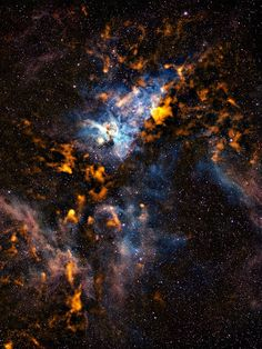 ESO image of gas clouds in the Carina Nebula