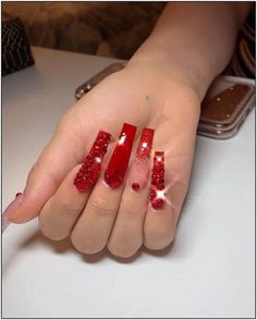 Red glitter ombré square nails with red swarovski crystals Bling Acrylic Nails, Bling Nails, 3d Nails, Nail Swag, Red Ombre Nails, Long Red Nails, Red Nails With Glitter, Glitter Outfit, Nails Short
