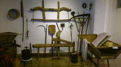 """Képtalálat a következőre: """"ungarndeutsche häuser"""" Wishbone Chair, Furniture, Home Decor, Hungary, Deutsch, Homemade Home Decor, Home Furnishings, Interior Design, Home Interiors"""