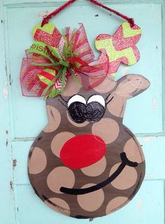 Festive Funky Reindeer door hanger, Christmas door hanger on Etsy, Alabama Christmas Ornaments, Christmas Applique, Christmas Door, Christmas Time, Christmas Wreaths, Christmas Decorations, Reindeer Christmas, Christmas Ideas, Christmas Staircase