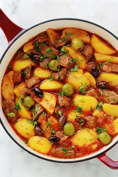 Beef simmered with potatoes, easy recipe-Boeuf mijoté aux pommes de terre, recette facile Beef simmered with potatoes, easy recipe – culinary cuisine - Easy Healthy Recipes, Healthy Snacks, Easy Meals, Healthy Drinks, Beef Recipes, Cooking Recipes, Juice Recipes, Beef And Potato Stew, Gourmet