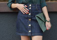Look denim button front skirt blog Ela Inspira - http://www.elainspira.com.br/look-shot-at-the-night/