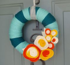 love the colors on this wreath!