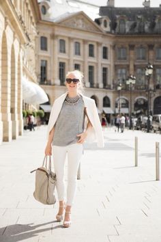 The Golden Bun  with love from Munich / Südtirol / Paris: White and grey on Place Vendôme