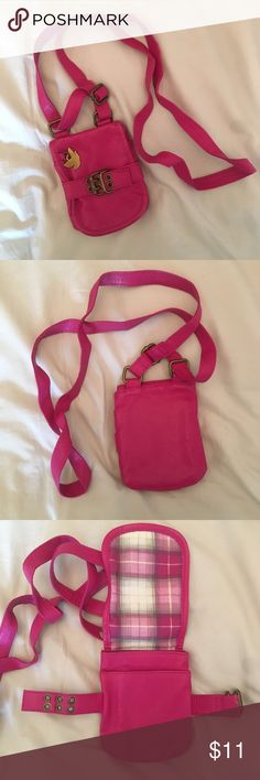 Magenta Crossbody Bag small magenta cross body bag. this is perfect for running around when you only need your phone and a few cards. in perfect condition. brand is dream out loud by selena gomez. has two pockets on the inside. 5x5. 10% off bundles of 2 items and 15% off bundles of 3+ items. item is cheaper on my depop & mercari @jillianalice Dream Out Loud by Selena Gomez Bags Crossbody Bags