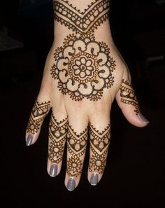 Beautiful Mehandi Designs From......Stylecraze.com