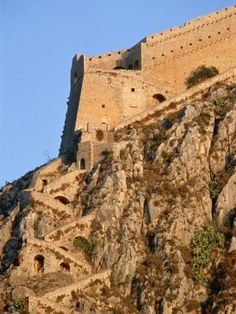 Fortress of Palamidi in Nafplio - Peloponnese peninsula, Greece Castle Ruins, Medieval Castle, Beautiful Castles, Beautiful Places, Monuments, Places In Greece, Castle In The Sky, Architecture Old, Greece Travel