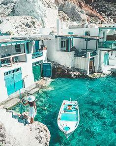 Wanderlust travel, travel bugs, santorini greece beaches, mykonos greece, g Dream Vacations, Vacation Spots, Vacation Travel, Summer Travel, Cool Places To Visit, Places To Go, Beautiful Places To Travel, Romantic Travel, Adventure Travel