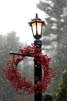 .Christmas wreath lantern