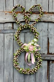 Beaded Necklace, Decorations, Easter Activities, Beaded Collar, Dekoration, Deko, Decorating, Embellishments, Beads