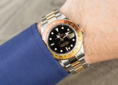 Rolex GMT Master II with a Root Beer Bezel | Bob's Watches | #Rolex #GMT #BobsWatches #RootBeer Posted 8/2/16 Rolex Cosmograph Daytona, Rolex Submariner, Cartier, Breitling, Rolex Watches, Watches For Men, Rose Gold Rolex, Used Rolex, Mens Fashion Suits