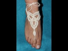 Crochet barefoot sandal!! Its sadly in Spanish but it looks like she might do a  translation for English speakers.