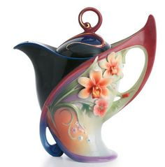 As soon as I saw it, I knew this gorgeous teapot was from Franz.  I have a whole set in a dragonfly motif.