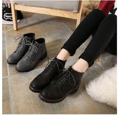 CW09678 Autumn and winter flat short boots tip British style boots