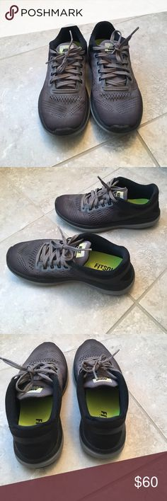 Nike sneakers New Nike sneakers. Worn about 10 times but no real sign of wear. Perfect for the gym or running errands! Feel free to make an offer 😊 Nike Shoes Sneakers