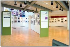 CONNECT SYSTEMS (UK) - Art gallery display walling with artists display wall lighting (picture light system). Temporary-Moveable wall panels for the Museum, School, College, Art Studio, Artist and Office. Exhibition Display, Exhibition Stands, Healthy Work Snacks, Healthy Salads, Senior Home Care, Restaurant Week, Lighting System, Art Gallery, Wall Lights