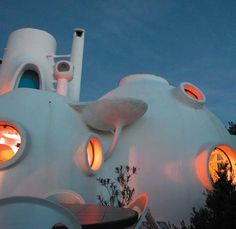 Laboratoire Urbanisme Insurrectionnel: ANTTI LOVAG : Architecte Anti-conformiste