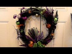 Halloween Wreaths - How to Make a Halloween Wreath Halloween Door Wreaths, Easy Halloween Crafts, Wreaths For Front Door, Halloween Series, Welcome To My House, Goblin, Ghosts, Grapevine Wreath, Grape Vines
