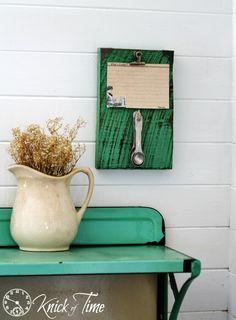 DIY Rustic Farmhouse Recipe Holder - via KnickofTime.net
