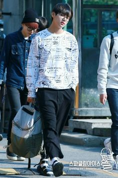 150522 BTS on the way to Music Bank