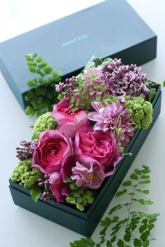 gardeninglovers:  flowers arranged in a box, love this idea