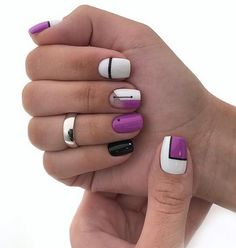 The advantage of the gel is that it allows you to enjoy your French manicure for a long time. There are four different ways to make a French manicure on gel nails. Classy Nails, Stylish Nails, Simple Nails, Trendy Nails, Cute Nails, Nail Art Designs, Pretty Nail Designs, Nails Design, Minimalist Nails