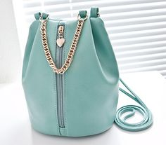 8937c69ce6 Leather Bags with Chain Handles    15.60   FREE Shipping Kabelky