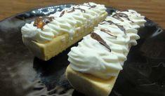 Jak upéct domácí žloutkové rakvičky   recept Hot Dog Buns, Hot Dogs, Finger Foods, Cheesecake, Bread, Finger Food, Cheesecakes, Brot, Baking