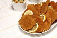 """Para quem gosta de refeições """"descomplicadas""""...Panados de porco com arroz colorido"""
