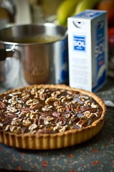 Salted Caramel Roast Nut Tart  - noten roosteren in oven ipv pan  - disaronno door de caramel