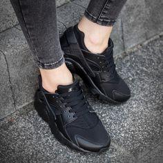 competitive price 9404c 08d39 Buty Nike Huarache Run GS dla dzieci całe czarne - Triple Black - 654275016  ▷ Sklep Sizeer
