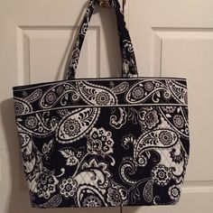 Vera Bradley Grand Tote Vera Bradley Grand Tote, midnight paisley, new with tags Vera Bradley Bags Totes