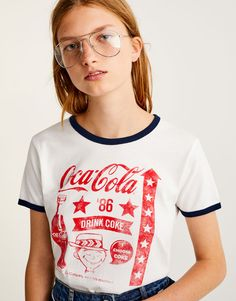 You can find 1 Vintage Coca-Cola T-shirt for only € in Pull&Bear. Enter now and discover this and many other unique Pull&Bear pieces Pull & Bear, Coca Cola, Vintage Tee Shirts, Aesthetic Shirts, Love T Shirt, Shirt Outfit, Fashion Outfits, Fashion Tips, Casual