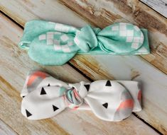 easy-knotted-bow-headband-pattern-for-baby-coral-and-co