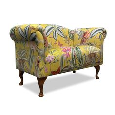 Wow! A truly eye catching small #sofa in Prestigious Textiles Barbados Citron fabric on dark oak cabriole legs 🤩 Like what you see? 👇 Start building your own bespoke furniture today at: www.thechaiselongueco.co.uk