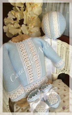 Este es uno de esos modelos que pasan desapercibidos entre la enorme cantidad que hay para elegir y que una vez que reparas en el todo... Baby Socks, Baby Hats, Baby Baskets, Bebe Baby, Cute Baby Clothes, Crochet For Kids, Beautiful Crochet, Baby Accessories, Kind Mode