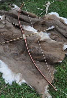 Picture of traditional bow Get Recurve Bows at https://www.etsy.com/shop/ArcherySky