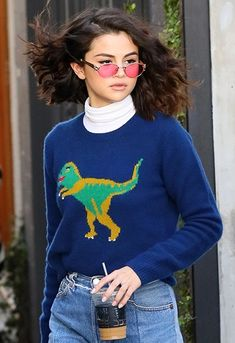 Selena Gomez's hair has got us tripping