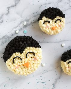 Perfect for a penguin themed party or a super cute smash cake! Penguin Cake Toppers, Penguin Cupcakes, Animal Cupcakes, Mini Cakes, Cupcake Cakes, Baking For Beginners, Penguin Day, Cute Penguins, Animal Party