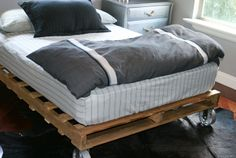 tutorial on making a pallet bed. Looks pretty easy! Neat for teen room?