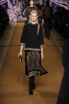 Etro Woman Autumn Winter 14-15 Fashion Show. Discover more on www.etro.com