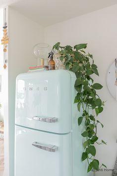 4 styling tips voor de keuken in een huurwoning met handige diy's Top Freezer Refrigerator, Home Deco, Diys, Kitchen Appliances, Dreams, Studio, Diy Kitchen Appliances, Home Appliances, Bricolage