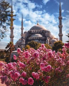 Spring in Istanbul is full of joy. … You can take your spring photos in Istanbul by tagging Istanbul and 🌼 - Gul Ay - - Spring in Istanbul is full of joy. … You can take your spring photos in Istanbul by tagging Istanbul and 🌼 - Gul Ay Hagia Sophia, Wonderful Places, Beautiful Places, Blue Mosque Istanbul, Istanbul Travel, Beautiful Mosques, Spring Photos, Islamic Architecture, Turkey Travel