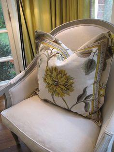 Pillow details,great chair