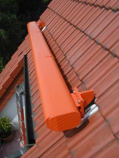 Kassettenmarkise auf dem Dach angebracht, vom Fenster- Rollladen- und Sonnenschutz- Fachbetrieb Mester aus Bielefeld, für OWL und Umgebung.
