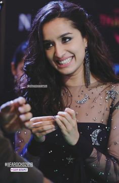 Maybe shraddha is the the best. Bollywood Images, Indian Bollywood, Bollywood Stars, Bollywood Fashion, Beautiful Bollywood Actress, Most Beautiful Indian Actress, Prettiest Actresses, Beautiful Actresses, Indian Celebrities