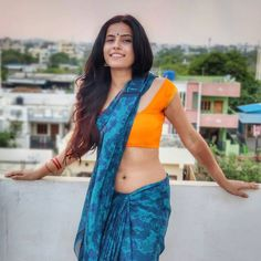 Beautiful Girl Indian, Most Beautiful Indian Actress, Beautiful Saree, Beautiful Women, Indian Actress Images, Indian Actresses, Saree Navel, Saree Models, Photography Poses Women