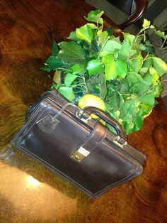 Stunning 50s small doctor bag in brown leather