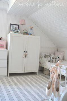 Roosaa ja valkeaa Kids Room, Room Kids, Child Room, Kid Rooms, Baby Room